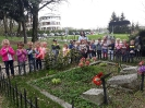 Wyjście na cmentarz wojenny oraz podziękowania za udział w Kiermaszu Wielkanocnym -