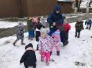 Zabawy na śniegu - grupa