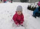 Zimowe zabawy na śniegu -